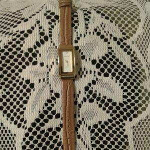 Ladies Fashionable Wrist Watch
